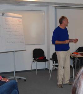 DSC_0274 Dozent Küch im Unterrichtsraum